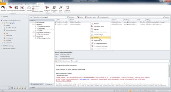 Dank der Integration in Microsoft Outlook muss der Mitarbeiter seine gewohnte Umgebung nicht verlassen, um auf alte E-Mails zuzugreifen